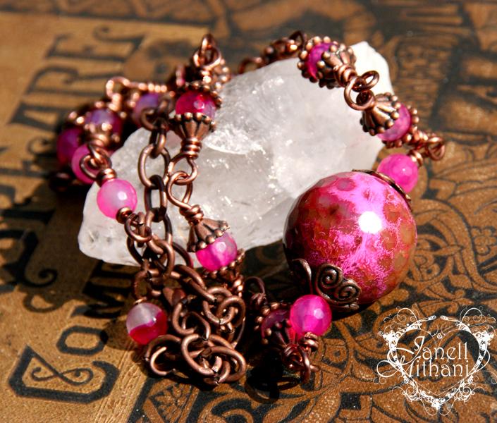 pinkagatenecklace